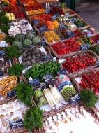 Na letním trhu v Mnichově (Larssen)